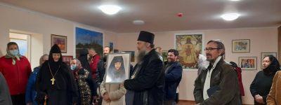 Выставка графики открылась в Соборном зале Богородице-Тихвинского женского монастыря в Борисовке