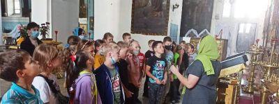Школьники из Разумного побывали в храме Архистратига Михаила в Борисовке