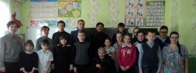 Прихожанин храма в Голофеевке рассказал школьникам, как жил в блокадном Ленинграде