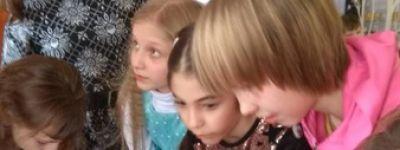 Игровая программа «Рождественская звезда» прошла в детском центре «Ассоль»