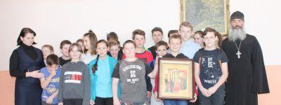 На Сретенье батюшка провёл открытый урок православия в школе в селе Фощеватое