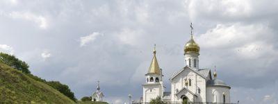 16 июня в Свято-Троицком Холковском мужском монастыре пройдут традиционные торжества в честь праздника Святой Троицы