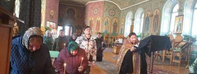 Молебен о спасении от эпидемии прошёл в Свято-Ильинском храме в Красном
