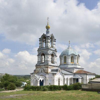 Храм Святых первоверховных Апостолов Петра и Павла в селе Погромец