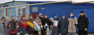 Настоятель храма святого великомученика Димитрия Солунского поздравил семью Полуэктовых с 50-летием семейной жизни