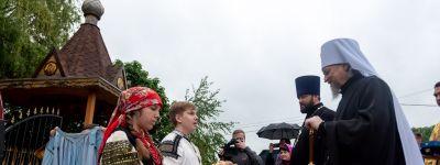 Митрополит Белгородский вместе с епископом Валуйским совершили литургию под открытым небом у храма на хуторе Ездоцкий