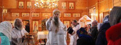 Епископ Валуйский совершил Божественную литургию в Михайловском храме в Глуховке
