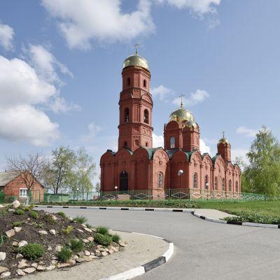 Храм Троицы Живоначальной в селе Муром
