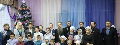 В дни Рождественских торжеств епископ Валуйский посетил «Центр социальной помощи семье и детям «Семья» в Вейделевке