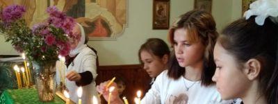 Школьники из православного клуба «Пересвет» побывали на престольном празднике в храме в Завидовке