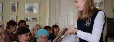 Старшеклассники православной гимназии организовали  православную акцию «Музей в чемодане» в Старооскольском краеведческом музее