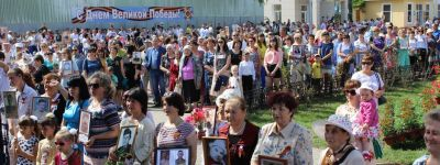 Более  четырех тысяч жителей Волоконовки вместе с благочинным встали в «Бессмертный полк»