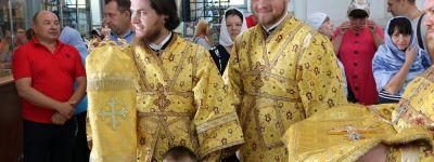 Праздничная архиерейская служба в день памяти святых первоверховных апостолов Петра и Павла прошла в Валуйках