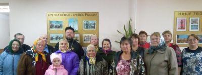 Настоятель Свято-Никольского храма в Нижних Пенах принял участие в праздновании Дня пожилого человека