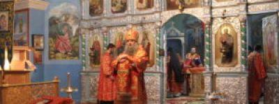 Епископ Валуйский совершил Божественную Литургию в храме в честь великомученика Димитрия Солунского села Раздорное