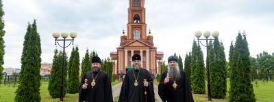 Митрополит Белгородский вместе с епископами Губкинским и Валуйским совершили литургию в память святых новомучеников и исповедников Белгородских