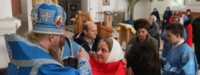 В праздник иконы Божией матери «Скоропослушница» Епископ Валуйский совершил Божественную Литургию в Свято-Николаевском кафедральном соборе