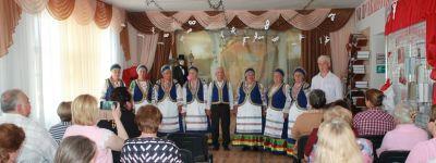 Грайворонский благочинный поблагодарил ансамбль «Козинские напевы» за сохранение русской духовности и культуры