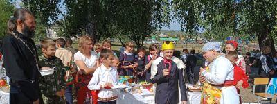 Настоятель храма святого Илии Муромского принял участие в празднике «Каша - матушка наша» в Прелестном