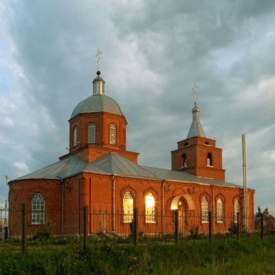 Храм святых бессребреников Космы и Дамиана в Шебекино