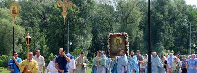 Соборное богослужение в день памяти иконы Божьей Матери «Троеручица Валуйская» провели в валуйском Свято-Никольском кафедральном соборе
