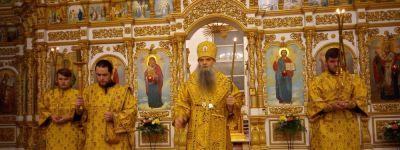 Всенощное бдение в Свято-Николаевском кафедральном соборе города Валуйки возглавил епископ Валуйский