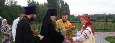 Божественную литургию в честь равноапостольной княгини Ольги совершил в Зенино епископ Валуйский