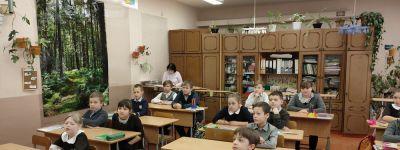 Клирик храма Спаса Нерукотворного рассказал волоконовским школьникам о Великой Схизме