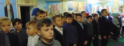 Литургию для детей совершили в Бирюче