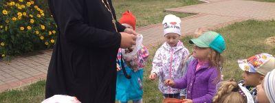 Священник рассказал ребятам из детского казачьего клуба «Развесёлый хуторок» о Серафиме Саровском