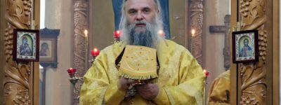 Епископ Валуйский совершил Божественную Литургию в храме святителя Николая Чудотворца