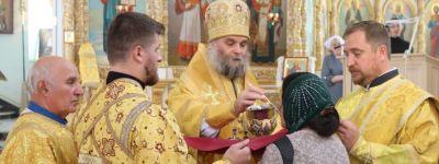 В день отдания праздника Воздвижения Животворящего Креста Господня епископ Валуйский совершил литургию в кафедральном соборе епархии