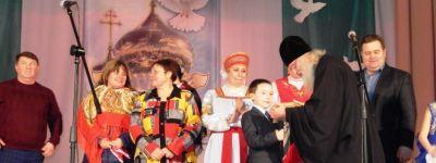 Вечер православной песни и художественного слова «Золотые купола» провели на Сретенье в селе Новенькое