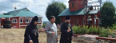 Епископ Губкинский посмотрел как идут работы по благоустройству Богородице-Тихвинского женского монастыря в Борисовке
