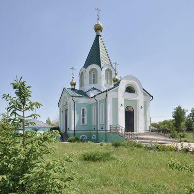 Свято-Троицкий храм в селе Журавка