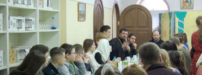 В храме во имя преподобного Сергия Радонежского в Старом Осколе на Сретенье прошел день открытых дверей