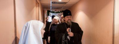 Белгородский митрополит и белгородский мэр посетили центр «Милосердие и забота» в Белгороде