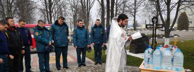 Более десяти тысяч белгородцев окунулись в прорубь на Крещение