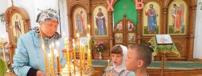 Прихожан церкви Святой Живоначальной Троицы в Голофеевке в престольный праздник поздравили и с 200-летием храма