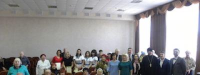 Артисты Белгородской филармонии дали Пасхальный концерт в Новооскольском доме ветеранов
