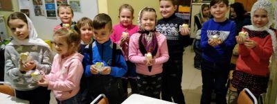 Воспитанники воскресной школы при храме Новомучеников и Исповедников Белгородских впервые в жизни сделали свечи