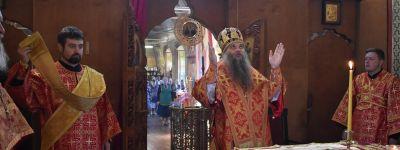 Епископ Валуйский в день памяти Кирилла и Мефодия совершил литургию в храме в городе Алексеевка