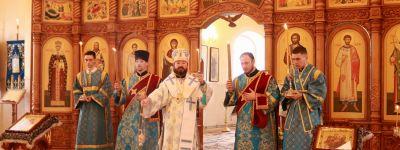 Епископ Губкинский совершил Всенощное бдение в храме Казанской иконы Божией Матери в Томаровке