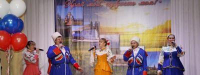 Настоятель храма Иоанна Златоуста поздравил жителей Валуйек с праздником 65-летия создания Белгородской области