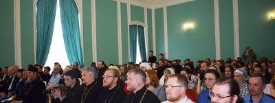 Преподаватели Белгородской семинарии представили доклады на конференция «Евангелие в контексте культуры» в Белгородском университете
