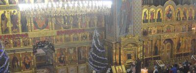 Епископ Губкинский совершил в Спасо-Преображенском кафедральном соборе в Губкине Рождественские богослужения