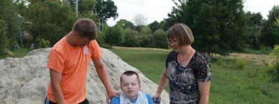 Коляску для ребёнка-инвалида подарили семье в Грайвороне в ходе акции «Под крылом ангела»