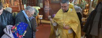 Воскресная литургия совершена в храме святого апостола Иакова, брата Божия, в Губкине