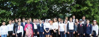 Белгородские школьники побывали у могилки архимандрита Серафима (Тяпочкина)