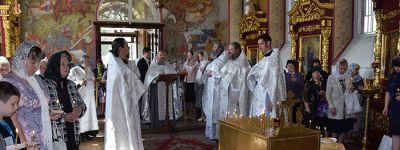 Заупокойную литургию и панихиду о погибшем 35 лет назад настоятеле Александро-Невского храма отслужили в Старом Осколе